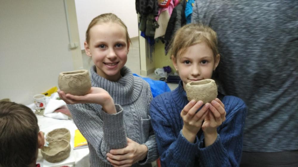 Воспитанники воскресной школы при Никольском храме в Ахунах приняли участие в мастер-классе по гончарному искусству