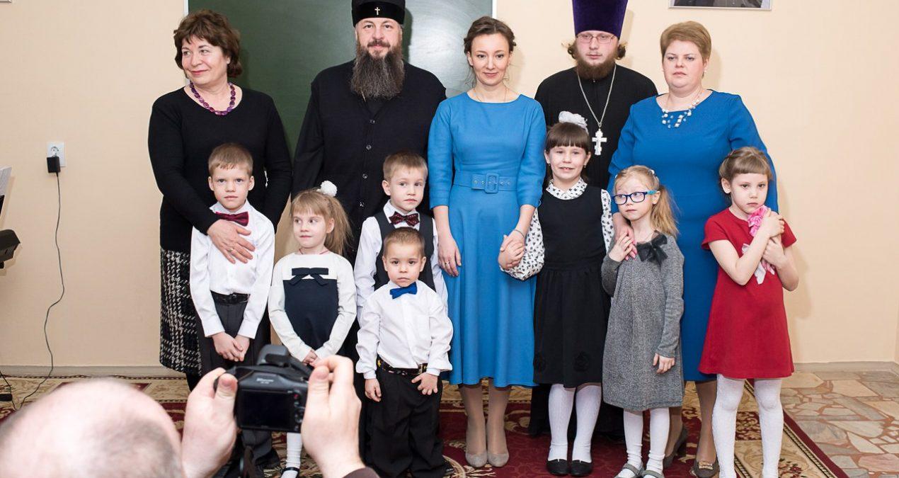 Анна Кузнецова посетила детский православный центр-пансион «Серафим»