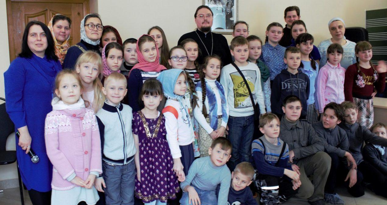 При Архиерейском подворье Спасского кафедрального собора прошел брейн-ринг по Новому Завету