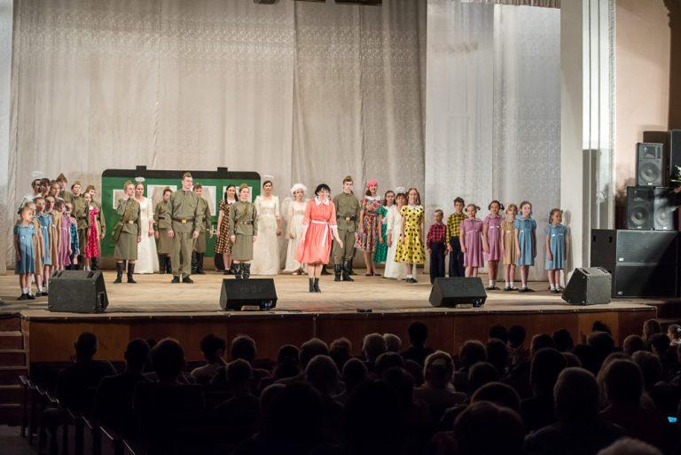 В Пензе прошла премьера военно-патриотического музыкального спектакля Семейного православного театра